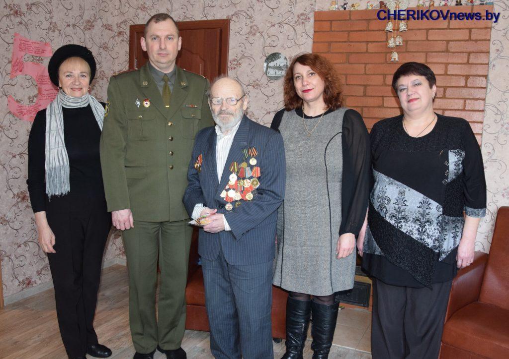 Ветераны Великой Отечественной войны из Чериковского района награждены юбилейными медалями