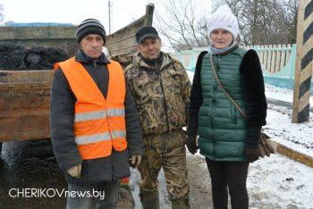 Работники Чериковского ЖКХ в любую погоду на страже чистоты