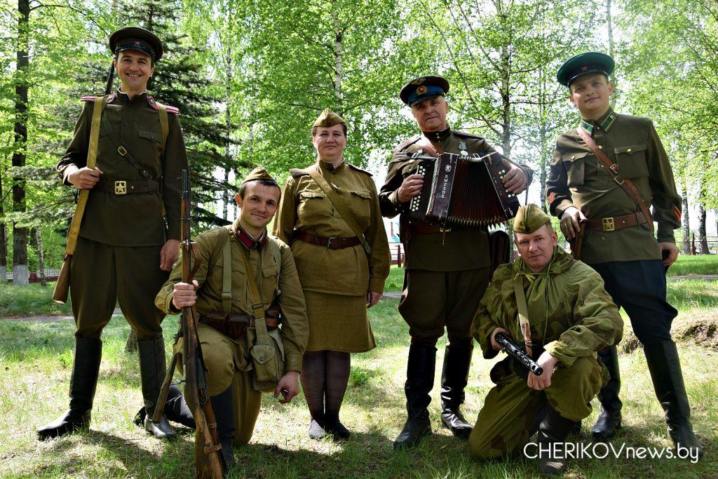 «Я помню, я горжусь!». В агрогородке Езеры Чериковского района состоялся автопробег с участием ветеранов Великой Отечественной войны