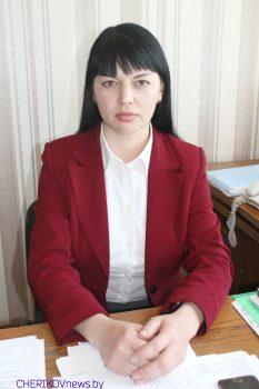 Заместитель председателя Чериковского райисполкома Елена Слепцова проведет 25 мая «прямую телефонную линию»