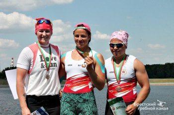 «На гребне волны» — Елена Ноздрева выиграла три гонки на первенстве Республики Беларусь по гребле на байдарках и каноэ