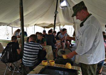 В гостях у солдат побывали учащиеся городских школ Черикова
