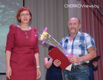 Работников леса Чериковского района торжественно и ярко поздравили с профессиональным праздником
