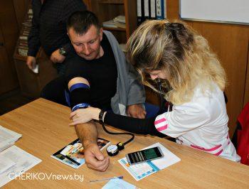 Медико-просветительная акция «Предотвратим инфарктмиокарда» прошла в Чериковском РЭС