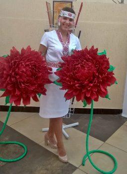Красота своими руками: ростовые цветы изготавливает Надежда Ориховская из Черикова