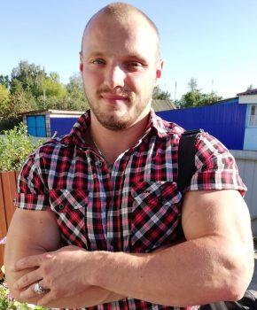 Красота в спорте: чемпион по бодибилдингу Сергей Рупаков