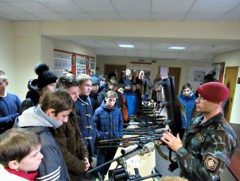 Чериковские школьники побывали в гостях у кадетов