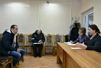 В минувшую субботу в Чериковском районе прошел День животновода, в рамках которого мобильные группы посетили МТК