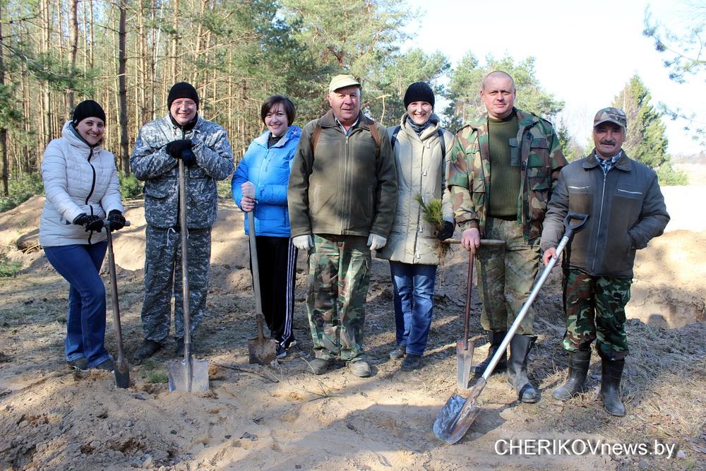 Депутаты Чериковского района приняли участие в акции