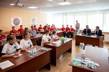 Белорусские участники международной детской социальной программы «Футбол для дружбы» провели «Открытый урок футбола и дружбы»