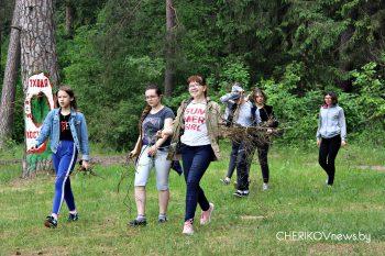 Лесная прогулка «Здорового класса» учащихся средней школы № 1 города Черикова