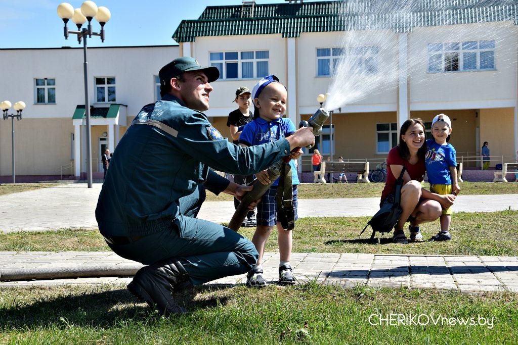 Международный день защиты детей отметили на Чериковщине