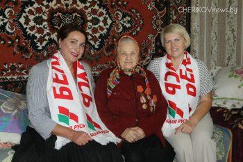 Представители общественных организаций Чериковского района посетили участников Великой Отечественной войны