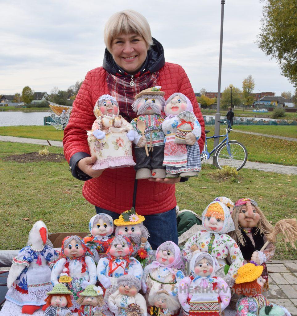 12 октября для жителей и гостей города Черикова была организована сельскохозяйственная ярмарка. Фоторепортаж