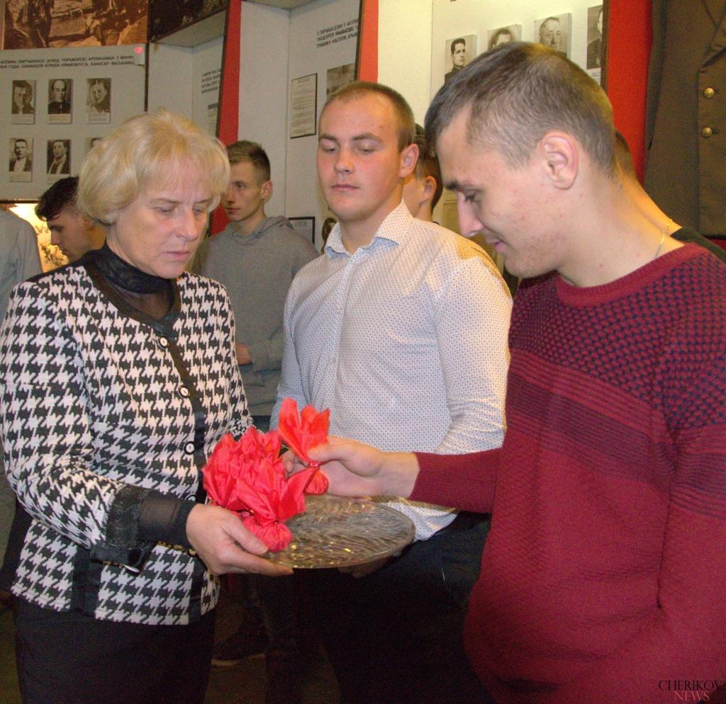 27 призывников из Чериковского района отправляются служить в вооруженные силы Республики Беларусь