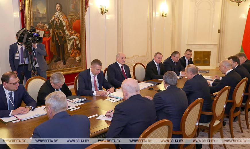 Лукашенко отмечает колоссальный прогресс в развитии сотрудничества с Россией
