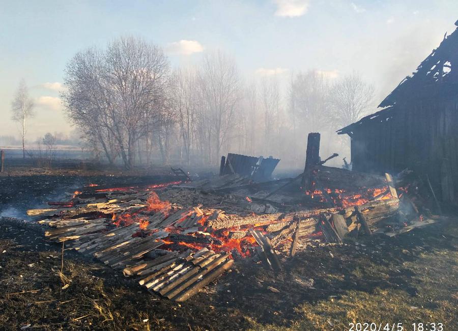 Два серьезных пожара произошло в Чериковском районе на минувшей неделе