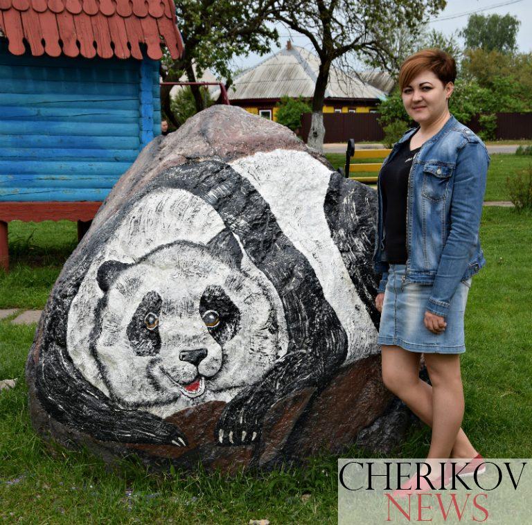 Чериковлянка Инесса Пипко превратила обычный камень в милое животное