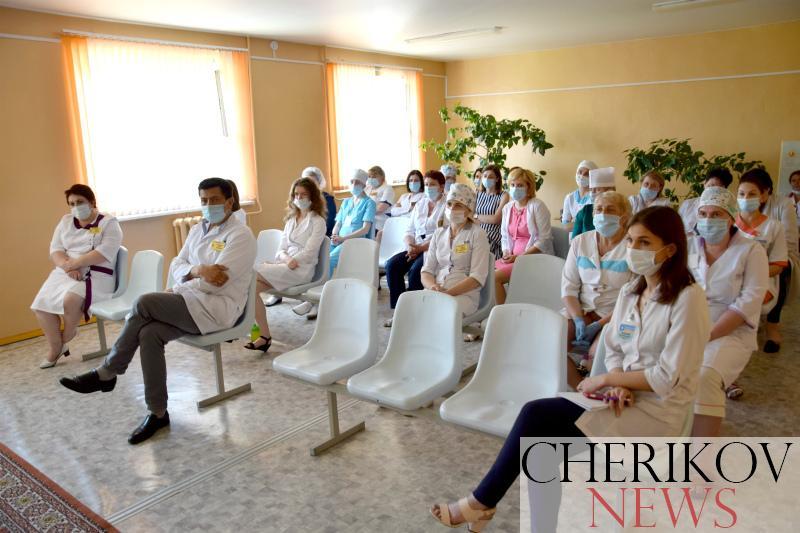 Член Совета Республики Игорь Каско встретился с чериковскими медиками