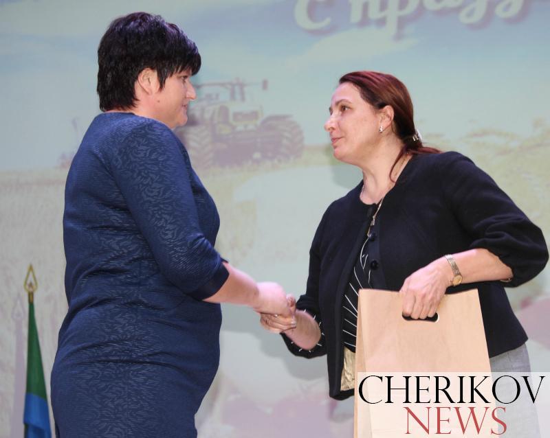 Труженикам сельского хозяйства чериковщины вручили заслуженные награды (фоторепортаж)