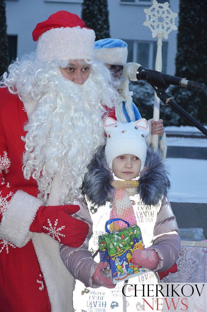Шествие Дедов Морозов в Черикове: как это было
