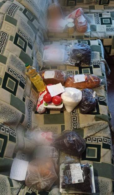 Продукты из школьной столовой вынесли работницы предприятия, отвечающего за организацию питания учащихся